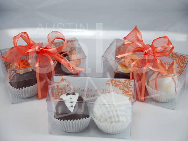 Wedding Cakes And Cake Ball Wedding Favors In Austin