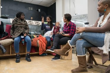 Community doula Tayo Mbande talks about the experience of having a doula during a class organized by Chicago Birthworks Collective held at The Black Mall on 79th Street on May 2, 2019. | Max Herman/City Bureau