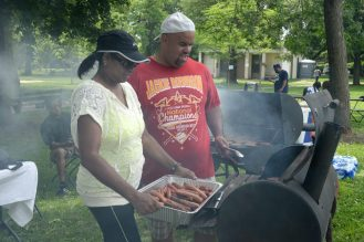 Tressie & Willie Thompson teaming up on the grills