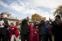 Lillian Drummond with Ald. Chris Taliaferro (29th) and Mayor Emanuel during a ceremony Thursday, Oct. 22, 2015, which designated a portion of Congress Pkwy. Honorary Lillian Drummond Pkwy.   William Camargo/Staff.