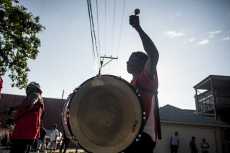 Last month, West Siders converged outside of Hope Community Church, 5900 W. Iowa, for a run that featured Congressman Danny K. Davis, the Exodus Drum and Bugle Corps and numerous community groups and organizations.