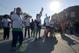 RUNNING FOR LIFE: Community members ran and walked during the annual Austin P.O.W.E.R. of Life 5k Walk/Run on Saturday, Sept. 23, 2017, in Austin. | ALEXA ROGALS/Staff Photographer