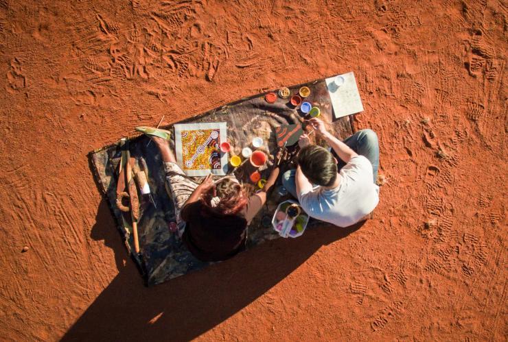 在8D環迴立體聲中發掘金伯利和烏魯魯的火紅百態 - 澳洲旅遊局