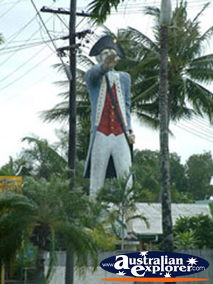 CAIRNS STATUE OF CAPTAIN COOK PHOTOGRAPH CAIRNS STATUE OF
