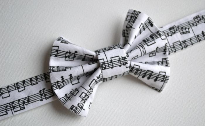 Бабочка с нотами романса
