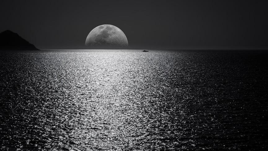 Full Moon in Hasta Nakshatra 20th-21st March, 2019-Half Empty?