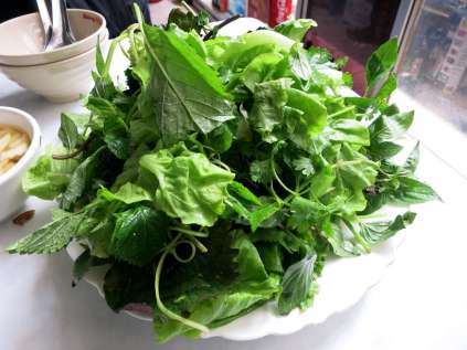 Herbs_FoodinVietnam_Authenticfoodquest