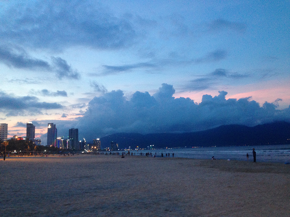 Sunset on the beach in Da nang, Vietnam - by Hannah Cackett (Authentic Gems Travel)