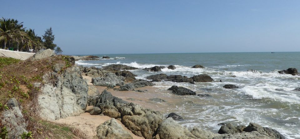 Header image for Hostel recommendation in Mui Ne, Vietnam - by Hannah Cackett, owner of Authentic Gems travel blog
