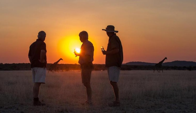 namibia-wings-ongava-lodge-sundowners_760