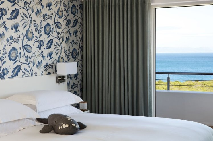 Romance, charm and sensational sea views from your bedroom