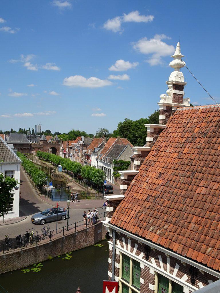 Uitzicht op de stad vanuit het museum