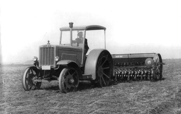 Image result for photos primul tractor romanesc 1946