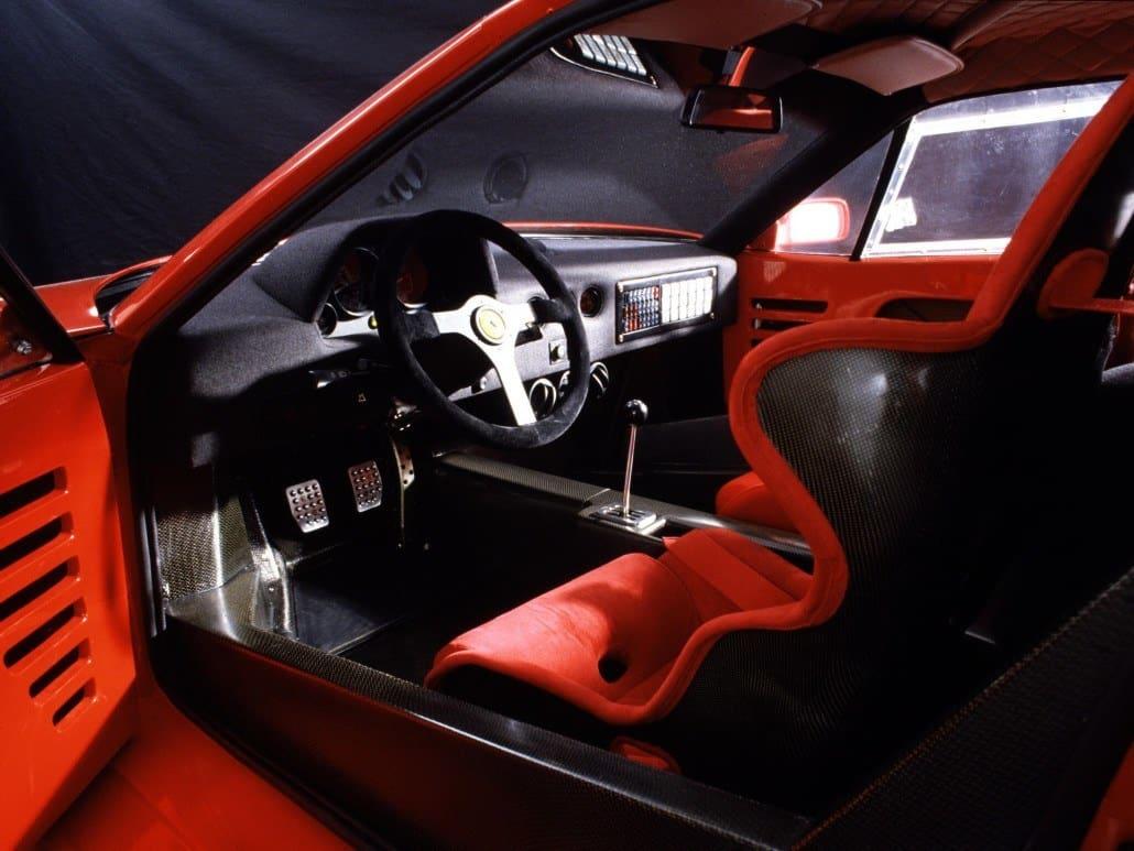 Fiche technique Ferrari F40 lAuto sportive  Auto Forever