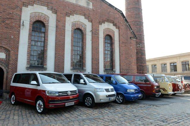Volkswagen-Caddy-Transporter-03