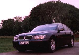 bmw735i-3.jpg (43407 Byte)