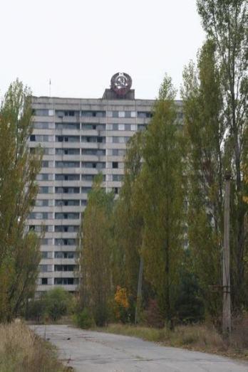 the_world.1192217880.041_old_buildingx_chornobyl