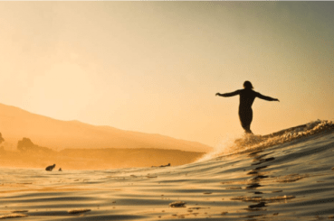 21 nos riding glassy surfer