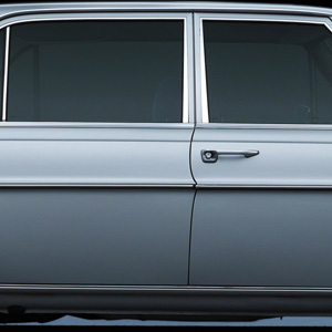 Mercedes W1018 W109