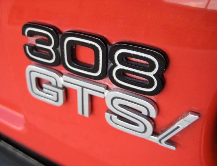 308-gtsi_emblem_ferrari_s