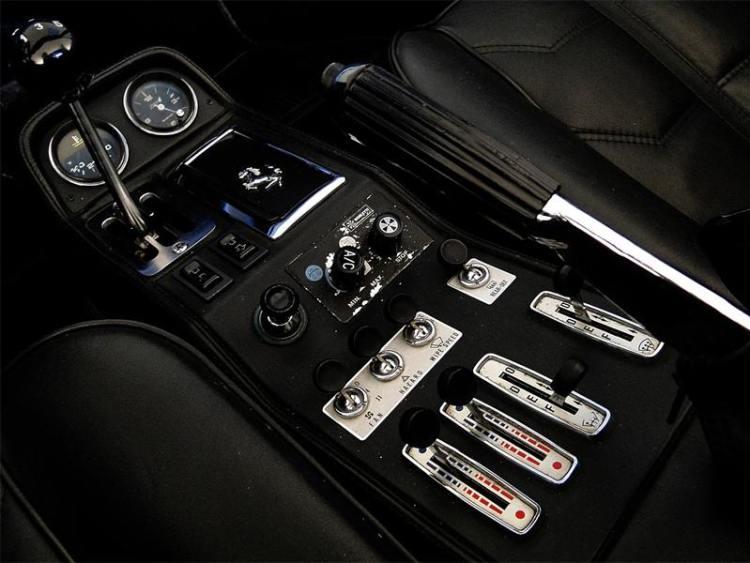 308 GTS I INSIDE