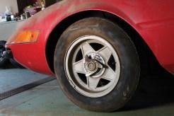 Ferrari-365-GTB4-Daytona-wheels