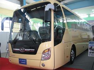 Le Nouveau Bus Universe Lance En Grande Pompe Auto Utilitaire
