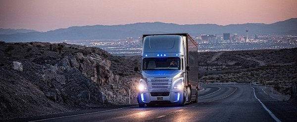 Daimler to Have Fleet of Self-Driving Trucks on U.S. Roads by 2030