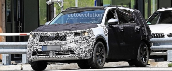 2021 Kia Sorento Spied Being Benchmarked Against BMW X5