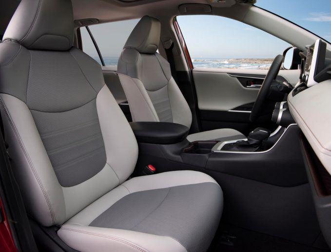 2019 Toyota RAV4 Hybrid Review