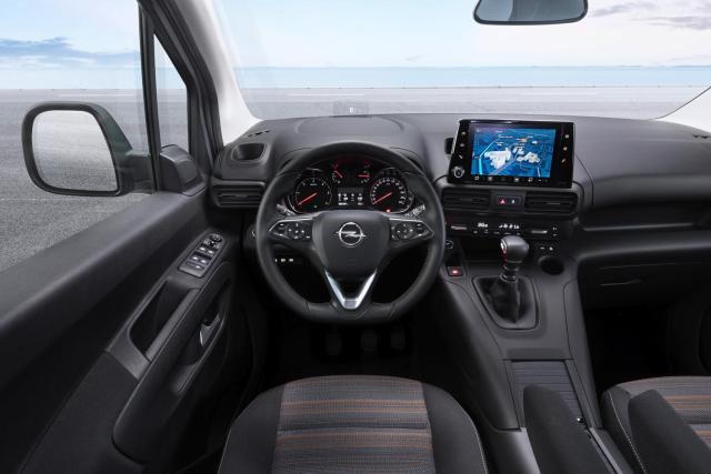 04_Opel_501982