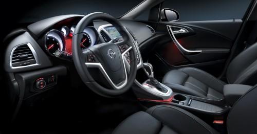 2010-Opel-Astra-14