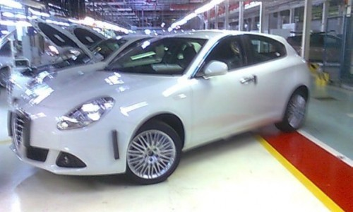 Alfa Romeo Milano production spy shots (9)