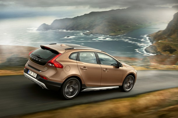 NEO VOLVO V40 CROSS COUNTRY_B