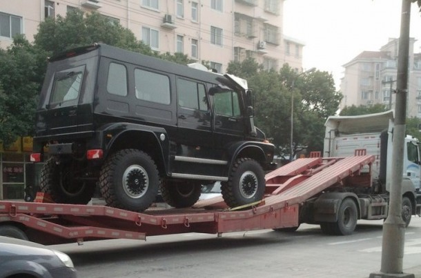 Unimog U5000 SUV in China (2)