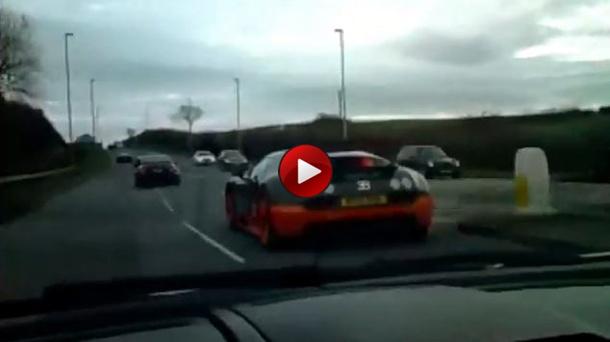 Veyron Super Sport vs Reventon Roadster