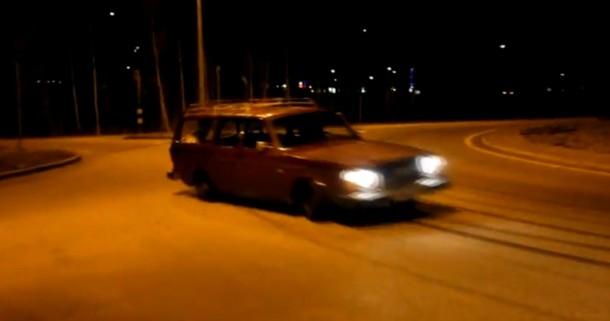 Volvo 245 2JZ vs Toyota Supra