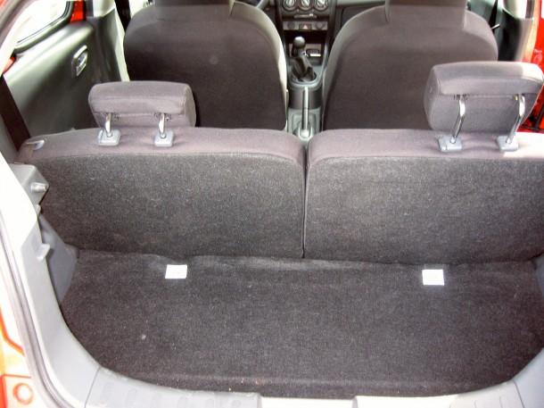 Nissan Pixo Test Drive (22)