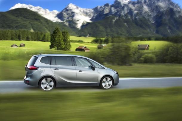 Opel Zafira Tourer 1.6 CDTI (1)
