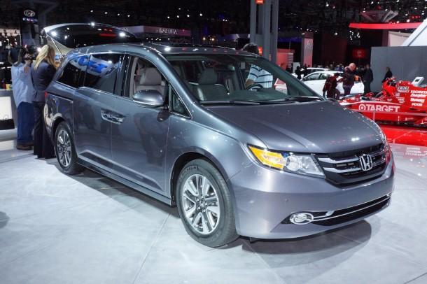 Honda Odyssey Touring Elite 2014 (2)