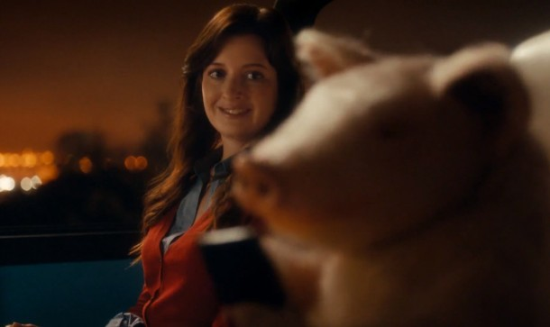 Maxwell the GEICO Pig Goes on a Dat