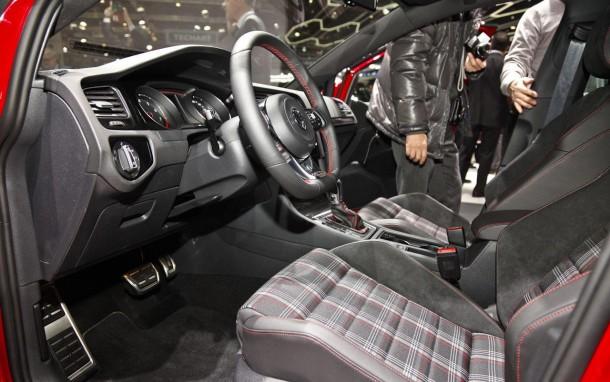 Volkswagen Golf GTI 2013 (18)