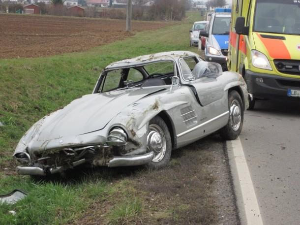 Merc 300SL wrecked