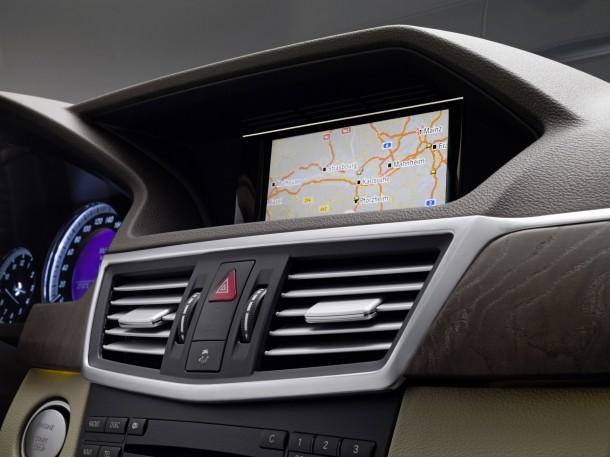 2010-mercedes-benz-e-class-navigation-system