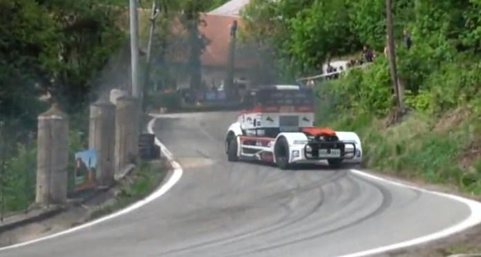 Powersliding Race Truck