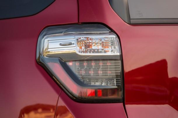 Toyota 4Runner 2014 teaser (2)