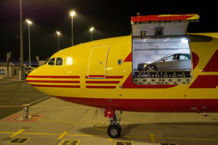 2014 Mercedes-Benz S-Class transported by DHL