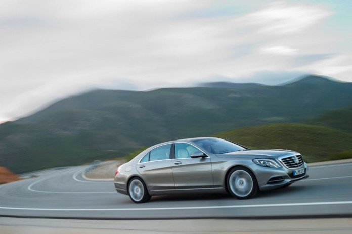 Official Mercedes-Benz S 400 HYBRID (W 222)