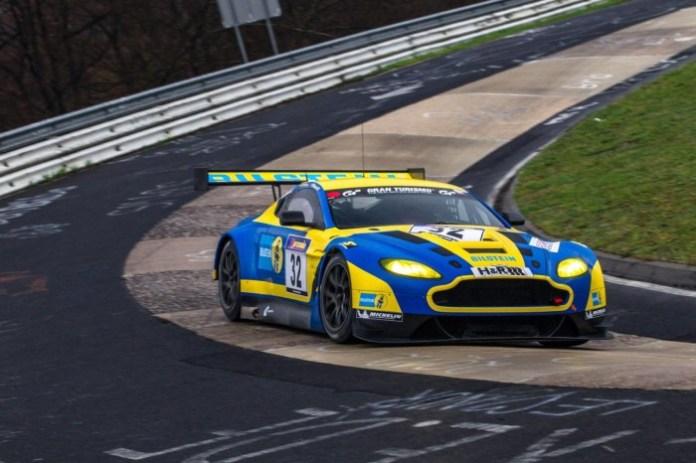 Aston Martin V12 Vantage GT3 (1)