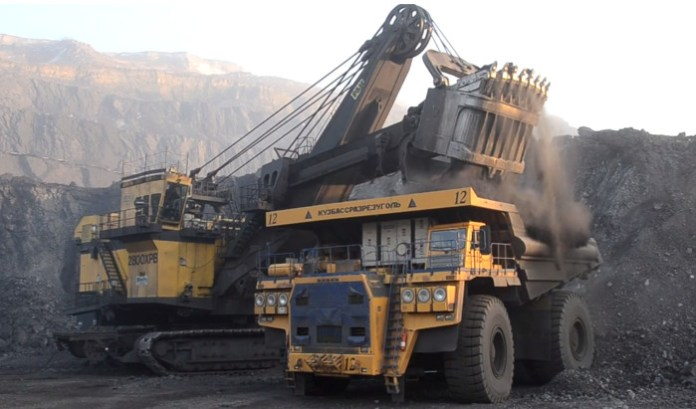 Loading Russia's Largest Dump Truck